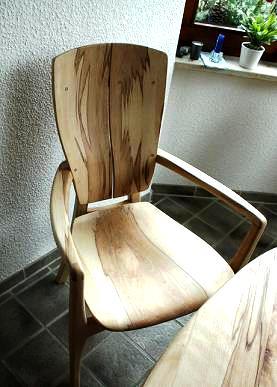 stuhl zum bügeln im sitzen